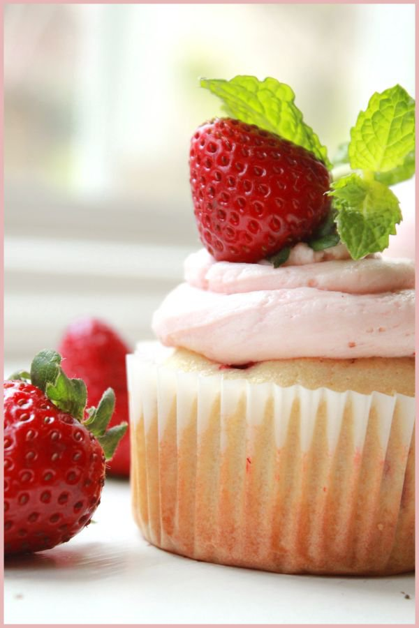 Fresh Strawberry Cupcakes Bakingwithflours